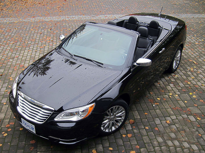 a look at 2013 chrysler 200 convertible car dodge. Black Bedroom Furniture Sets. Home Design Ideas